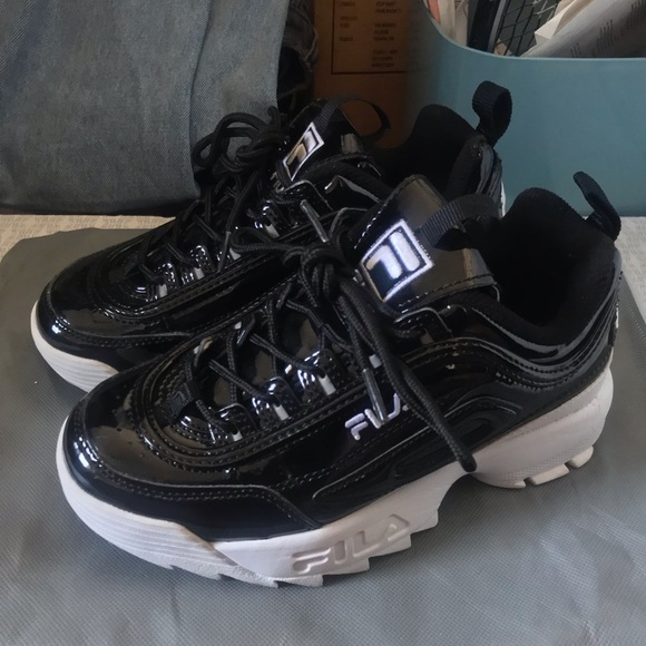 7144a84ae774 Fila Shoes - FILA DISRUPTORS II PATENT LEATHER SIZE 5